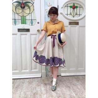 スミレのプリントが可愛い♡スカート