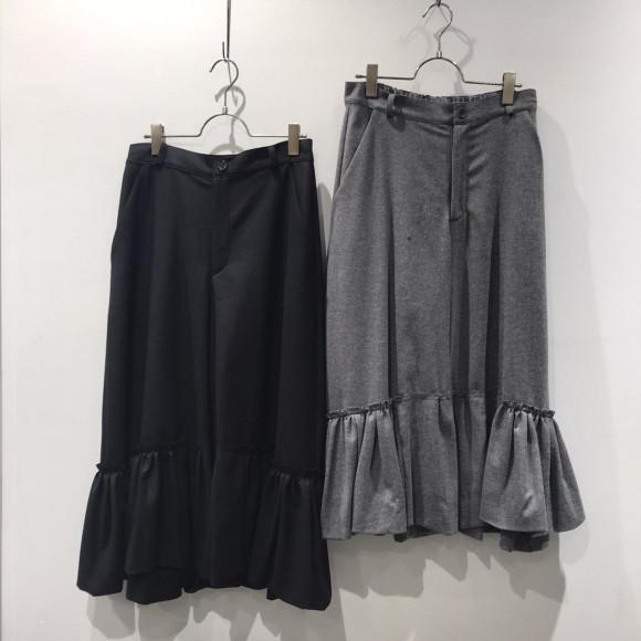 裾ギャザーパンツ