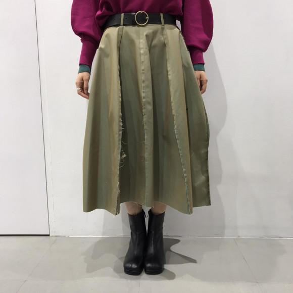 玉虫色スカート