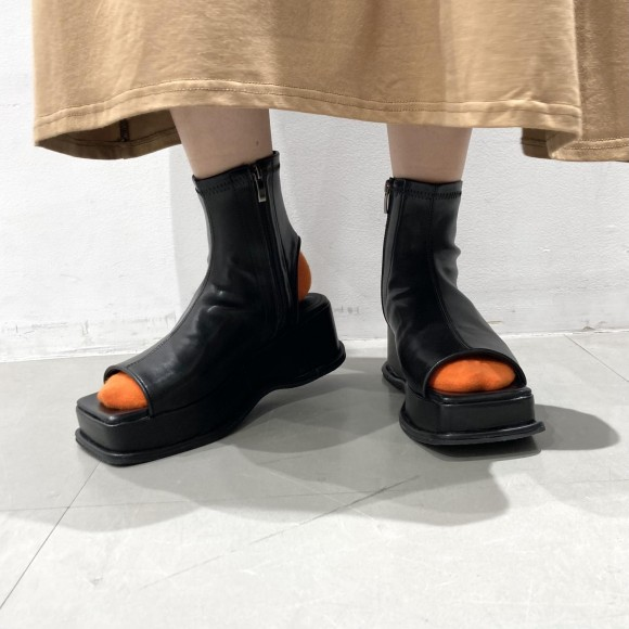厚底ブーツサンダル