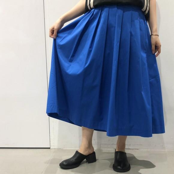 ビビットカラースカート