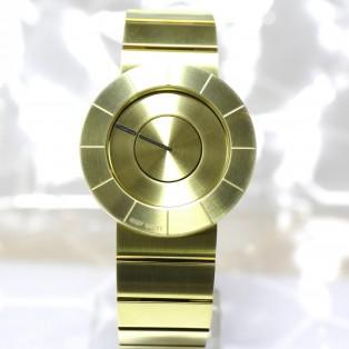 唯一無二のデザイン。ISSEY MIYAKE「TO」ゴールドがなんと40%offに!!