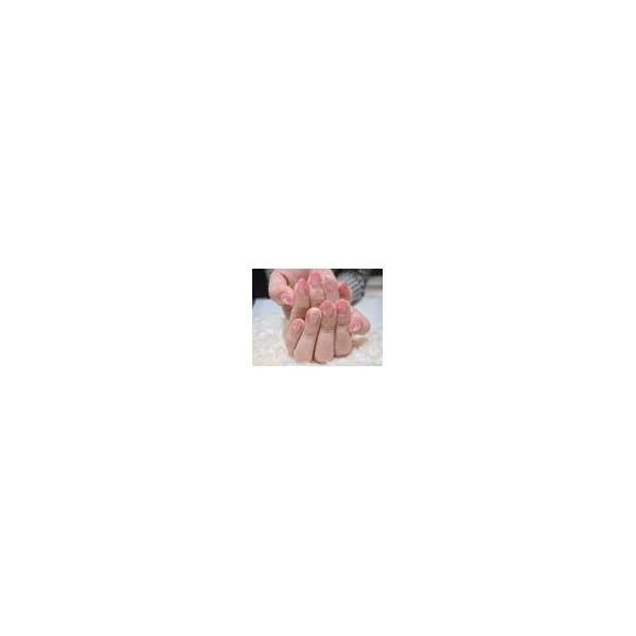 ローズピンク×ベージュカラーのヒョウ柄ネイル