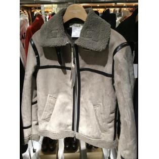 防寒性もですが、なりよりファッション性がめちゃくちゃ格好いい!