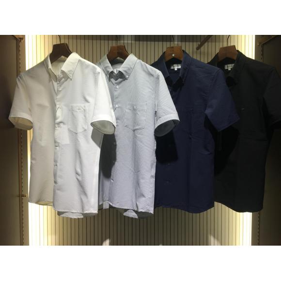 ビジネス、カジュアル兼用半袖シャツ