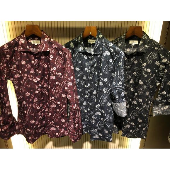 フラワーモチーフプリントシャツ