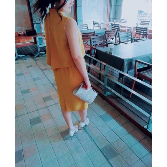 知的な女性を想わせる、スマートなタイトドレスのご紹介です❤