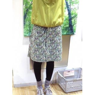 四角友里コラボレーションの可愛いリバーシブルスカート
