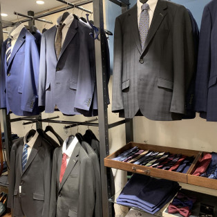 ☀︎☀︎メンズビギ・スーツ大量入荷☀︎☀︎