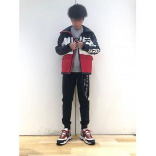 【MENS】ロゴフーデッドジャケット
