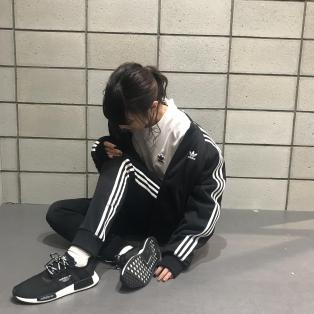 【ADIDAS】冬物アパレル入荷!!!