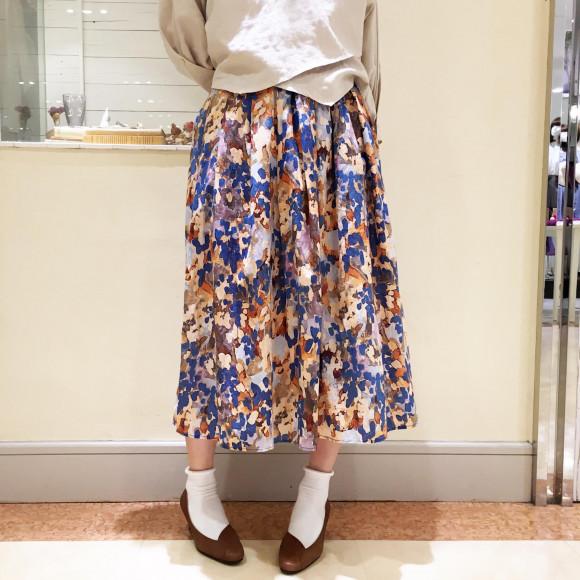 水彩花柄フレアスカート