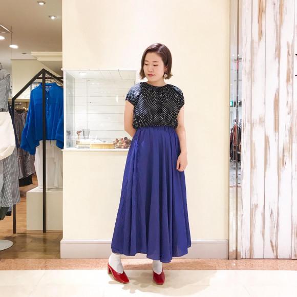 3カラー光沢フレアスカート