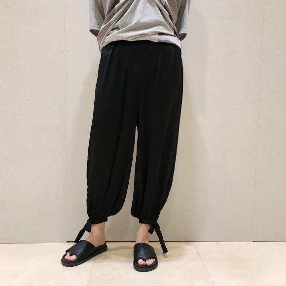 裾絞りイージーポリパンツ