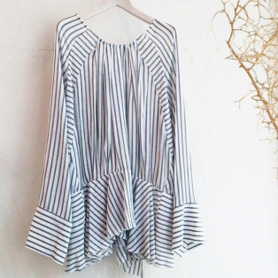 styling/back ribbon blouse