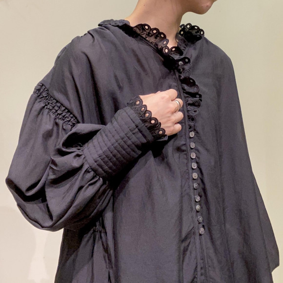 FURFUR/カットワーク刺繍パフブラウス