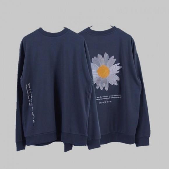 Embroidered crew neck sweatshirt (Daisy)