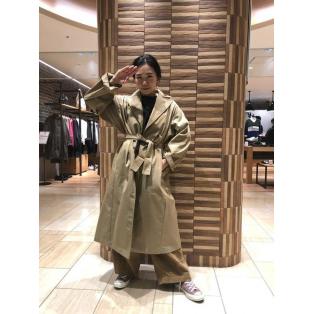 このコートもかっこよい。