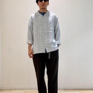 長袖の開襟シャツがヘビロテです...