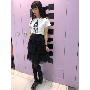 BANDS OF DAISIES LACE &ANNA SUI CARICATURE TEE