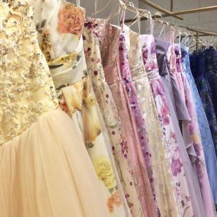 演奏家さま、花嫁さまに向けたカラーロングドレス