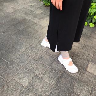 足袋シューズには五本指カバー。