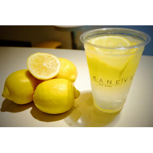 「レモネード」って温かい飲み物でしょうか?冷たい飲み物でしょうか?もしくは炭酸でしょうか?