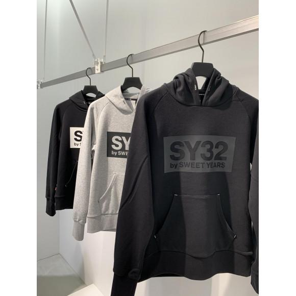 SY32新作!  ボックスロゴパーカー
