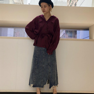 【カラーアイテム】シャツ×スカート