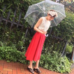 *夏らしい赤色スカート*