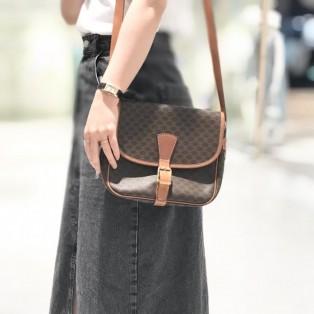 お待たせしました!!人気のヴィンテージバッグの新入荷です。