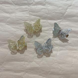 new❤︎蝶々モチーフヘアクリップ