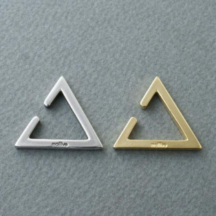 The Style Is Everything, TRIANGLE EAR CUFF