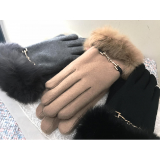 新作ファー手袋♡