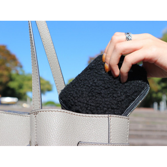 《Tneory》ボア財布