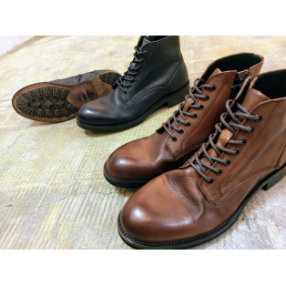 NEW ARRIVAL !!『Drape lace-up Boots』