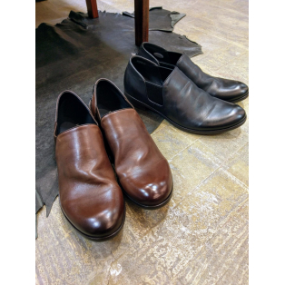 『Side gore slip on shoes』classic design!