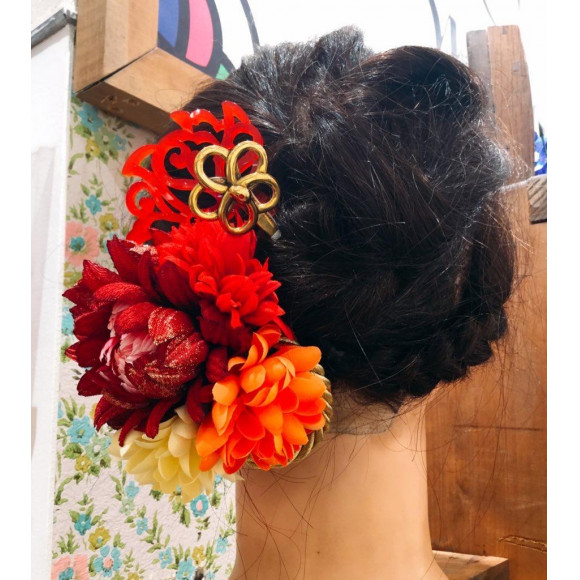 成人式や結婚式の髪飾りお任せください!!