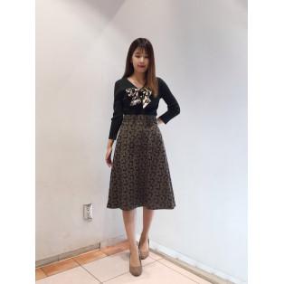 花柄刺繍フレアスカート