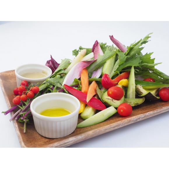 注いでおいしい「そそグルメ」 有機野菜のバーニャカウダ