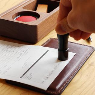 革の捺印マット付き木製印鑑ケース「STAMP MAT & CASE」