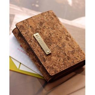 収納力豊富なコルクレザーのカードケース「CONNIE Multi Card Case」