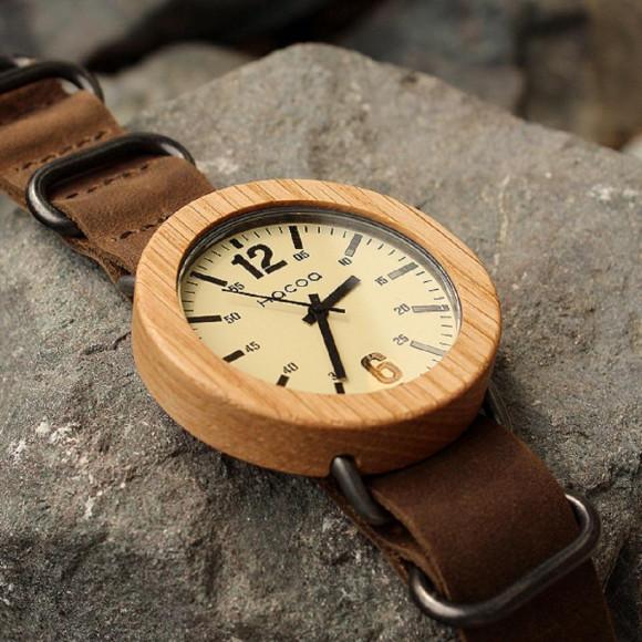 【大学生になる方へ】おしゃれでめずらしい木製腕時計