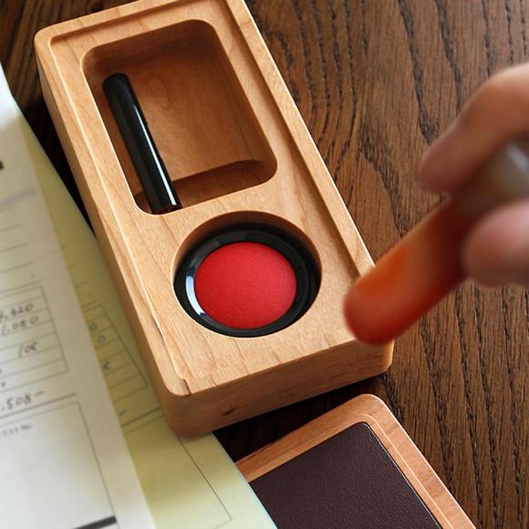 【新商品】 牛革の捺印マット付きの木製印鑑ケース!