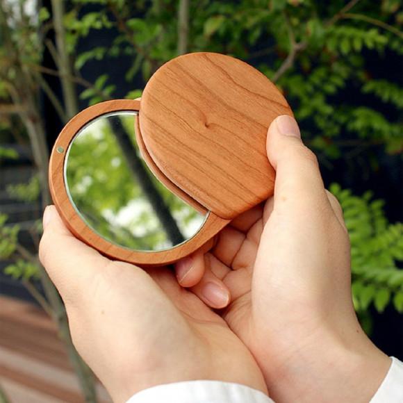 【母の日のプレゼント】 ころんとしたフォルムが可愛い手鏡♪