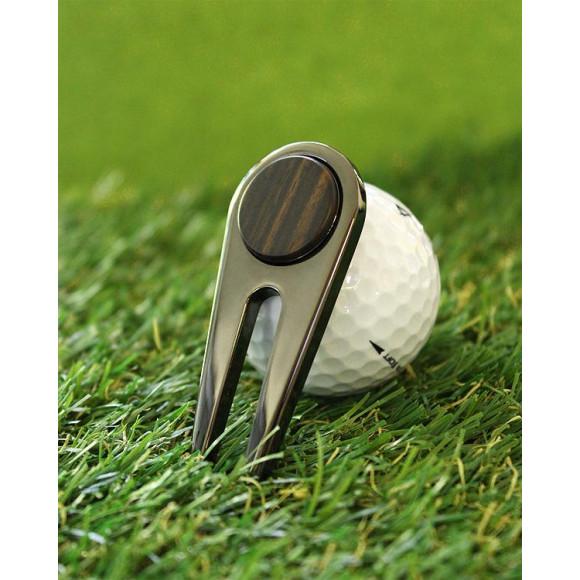 【新商品】ゴルファーの必需品、木製グリーンマーカー ・ グリーンフォーク