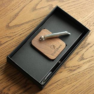 木製のペンスタンド「Pen Stand」