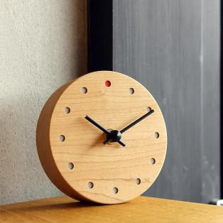 時とともに風合い増す木の置時計「Wall Clock Mini」