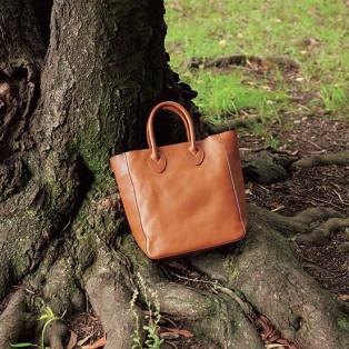 革本来の美しさを楽しむ、シンプルなデザイン「ミネルヴァ」
