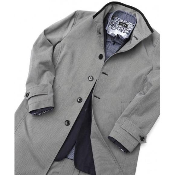 「スタイリッシュなスタンドカラーコート」